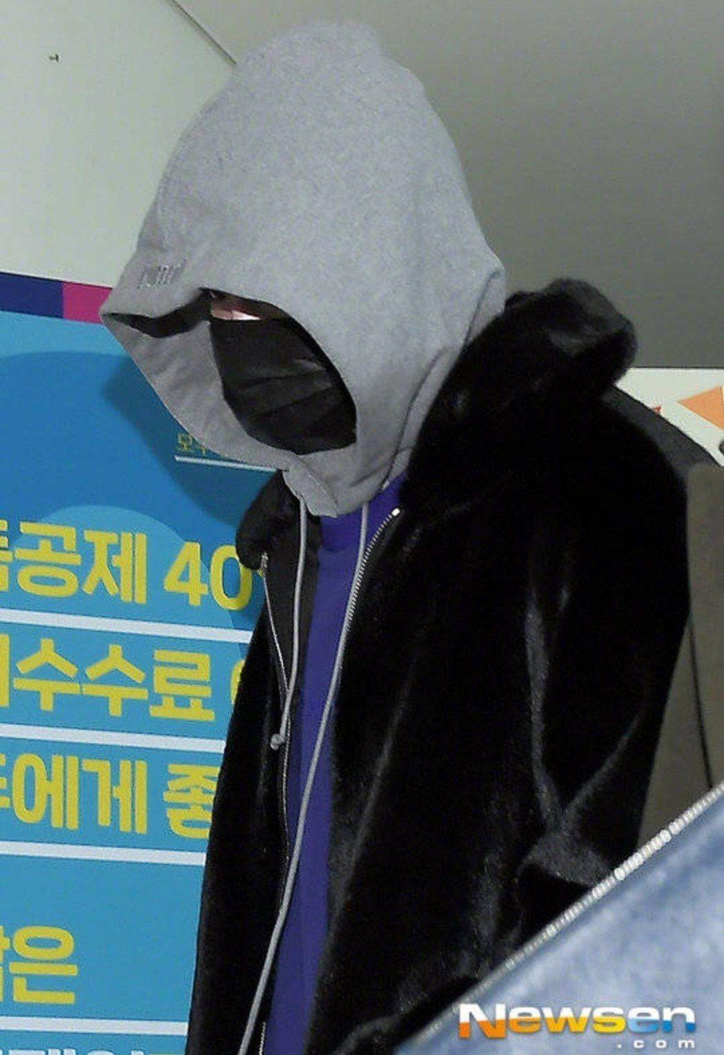 李鍾碩昨已報到。圖/摘自NEWSEN