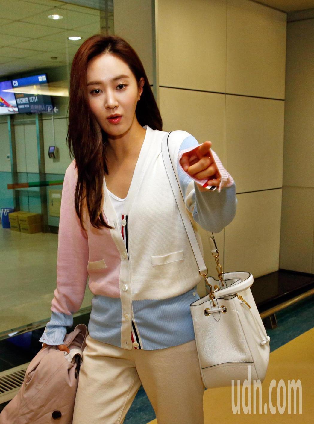 韓國女團「少女時代」俞利下午抵台。記者鄭超文/攝影