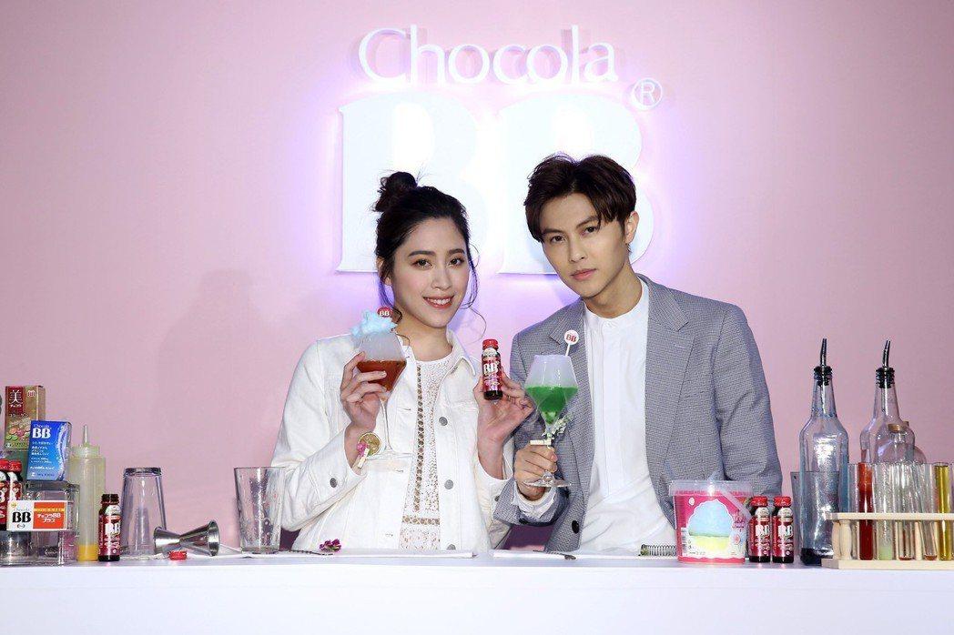 王子邱勝翊、歐陽妮妮出席保健飲品活動。圖/Chocola BB提供