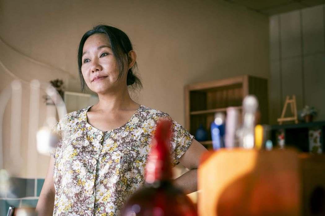 呂雪鳳在「阿蒂美髮店」戲中飾演喪女的阿嬤。圖/公視提供