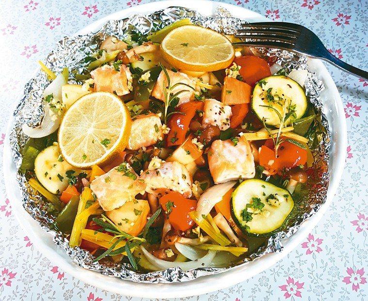 香烤鮭魚多彩時蔬