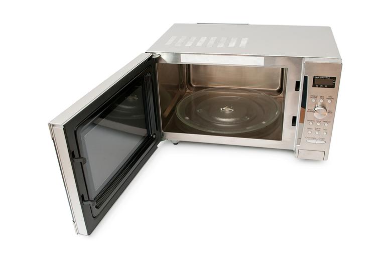 每一次不管微波什麼,食物的湯汁、醬料,多多少少都會噴濺在微波爐內部,日積月累之下...