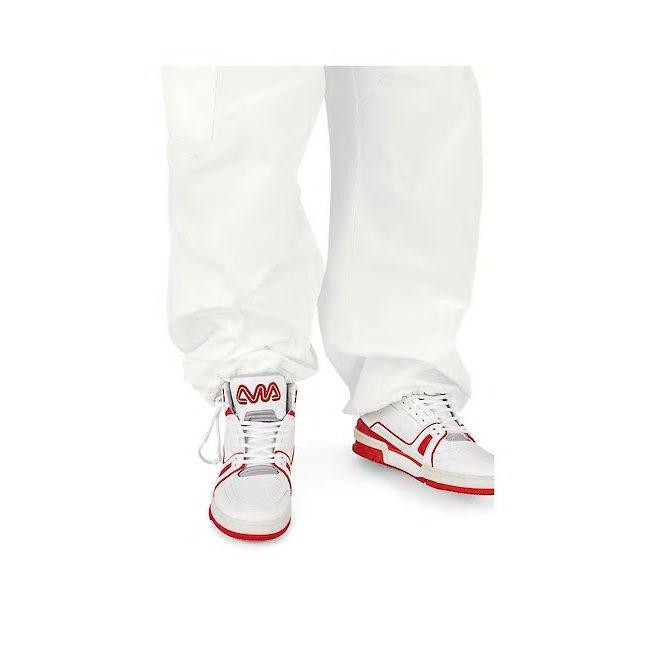 鞋舌「LVM」字樣來自Louis Vuitton Malletier的製箱工藝歷...