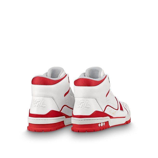 鞋後跟的「#54」代表品牌創立的1854年。圖/LV提供