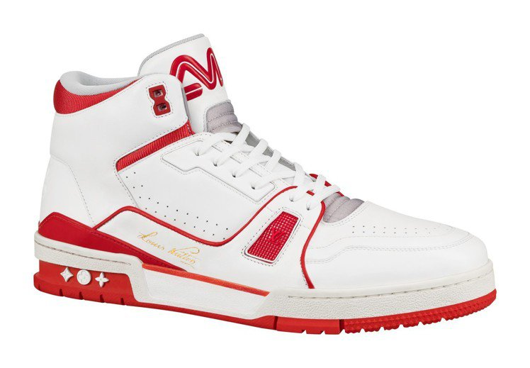 Trainer中高筒運動鞋,售價45,500元。圖/LV提供
