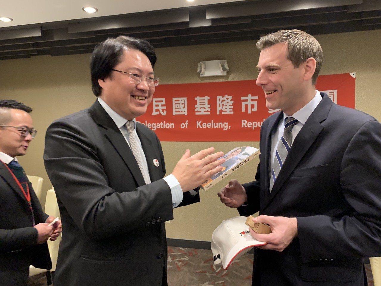 林右昌以「台灣政情分析與展望」為題,在美國發表演說。圖/基隆市政府提供