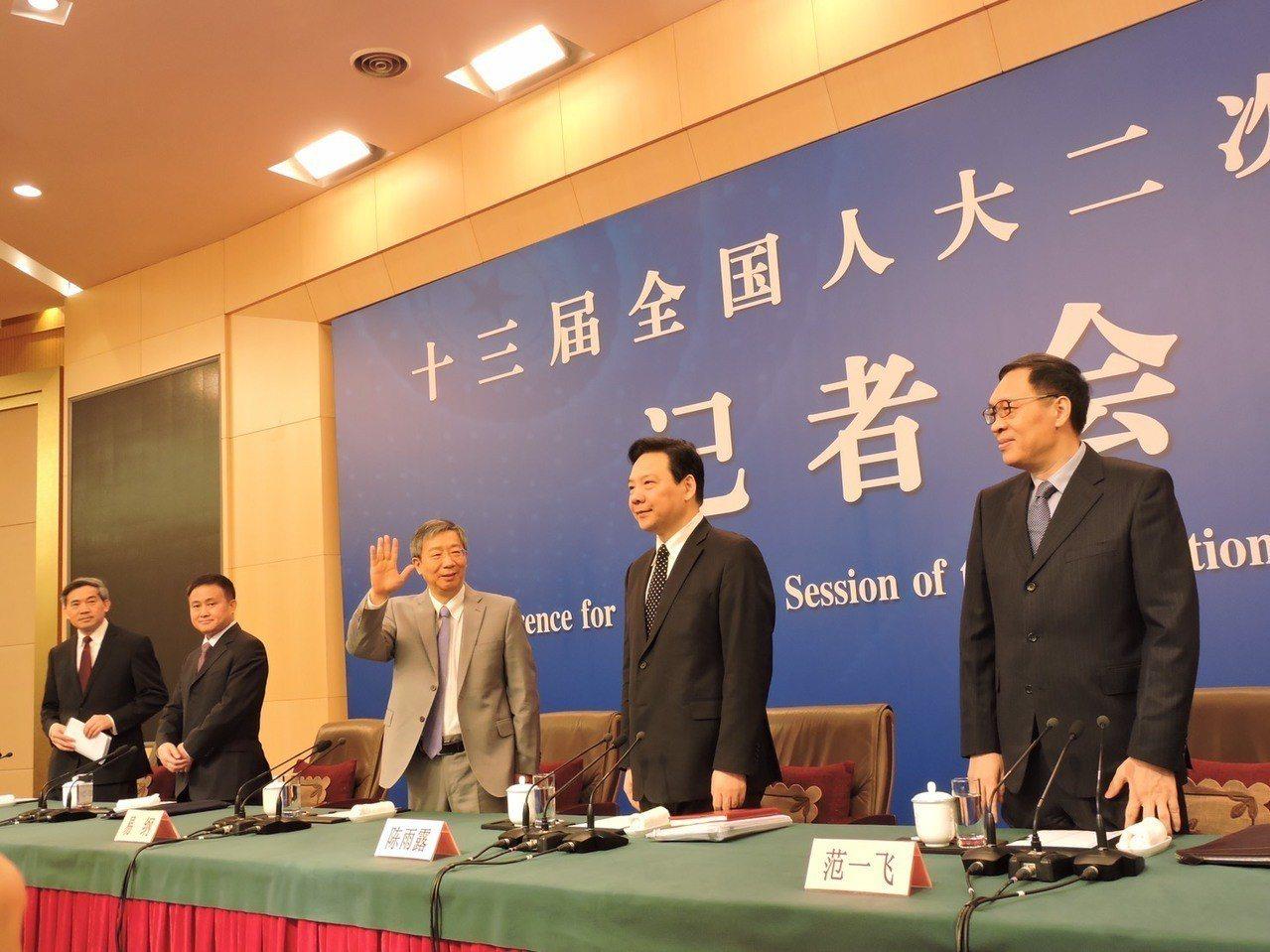 中國人民銀行行長易綱出席全國人大記者會。記者戴瑞芬/攝影