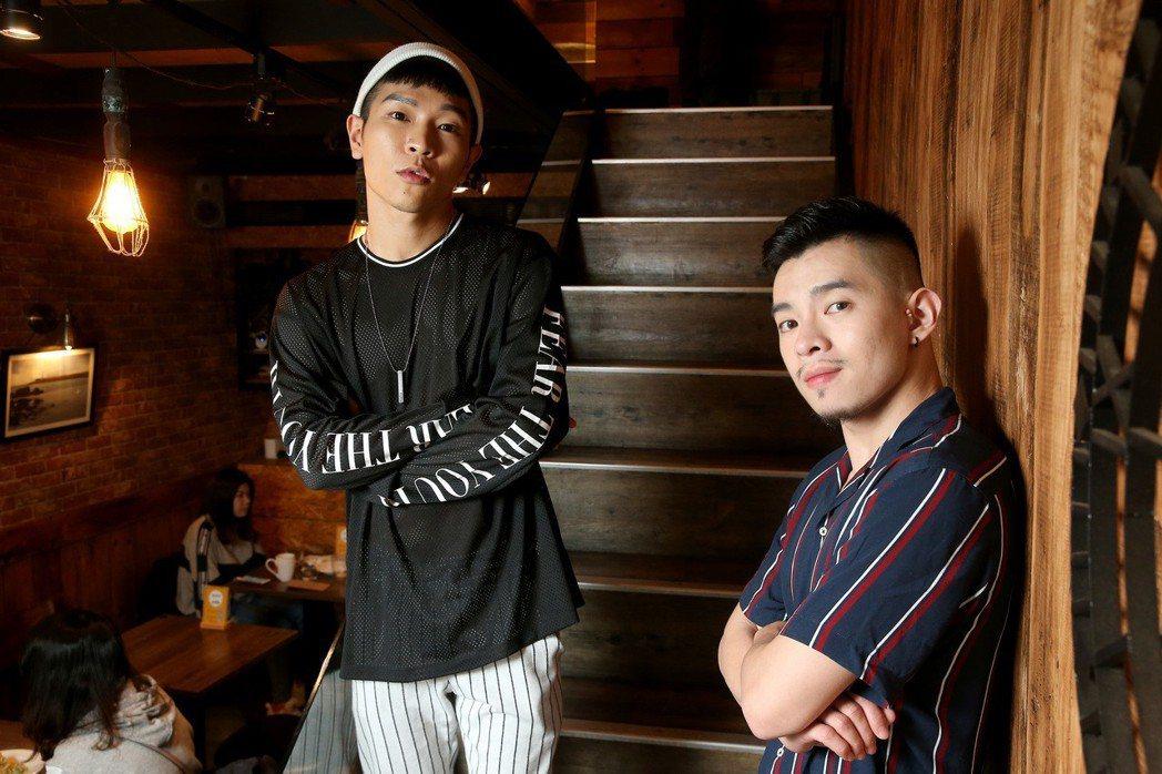 網紅FJ234首演電影「乳・房」,在片中施展搞笑實力,左為Fufu,右為Josh...