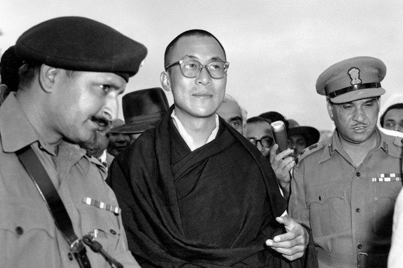 1959年4月18日,達賴喇嘛抵達印度,流亡至今仍無法返回西藏。 圖/美聯社