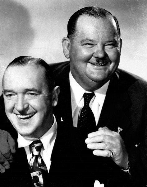 歷史上的喜劇名演員史丹利勞萊Stan Laurel(左),奧利佛哈台Oliver Hardy(右),攝於1945年。 圖/美聯社