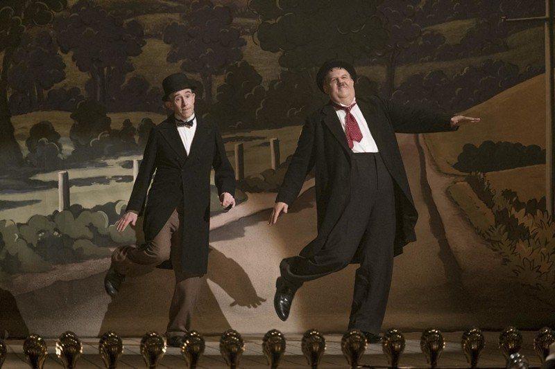 兩位男主角史丹、奧利,分別由英籍演員史提夫庫根(左)以及美國演員約翰萊利(右)出飾。 圖/美聯社