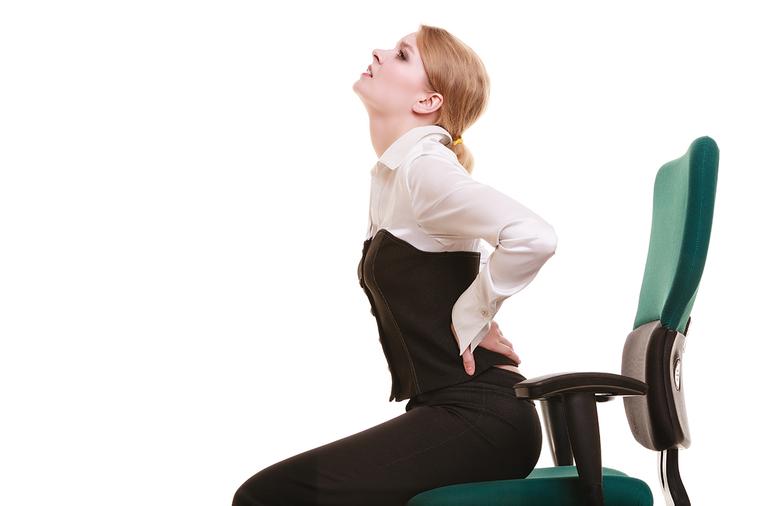 根據中央健保署統計,2015年民眾就診疾病原因中,「椎間盤突出或下背痛」排名第四...