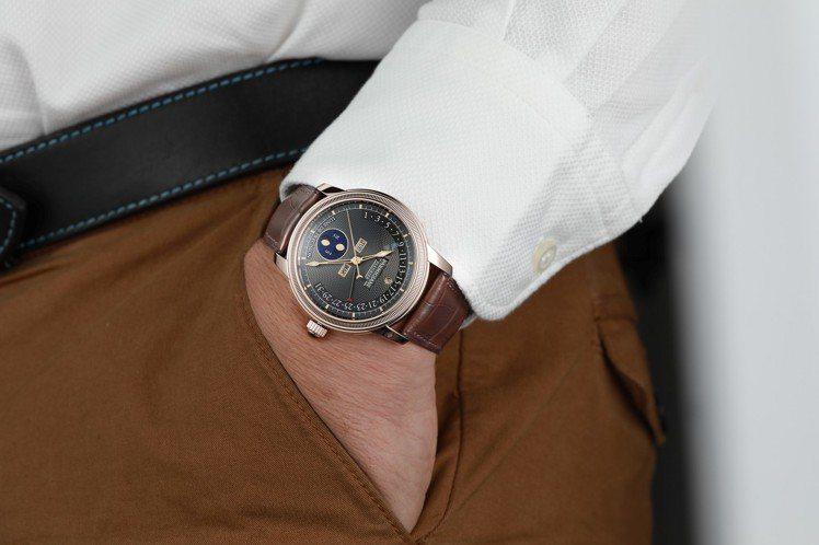 帕瑪強尼Toric系列逆跳萬年曆腕表,18K紅金表殼搭配機刻雕花表盤,50小時動...