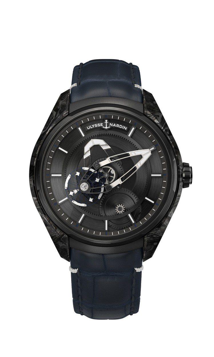 新的Freak X腕表,採用了由航太級碳纖維材料製成的碳正離子表殼,其重量僅約為...