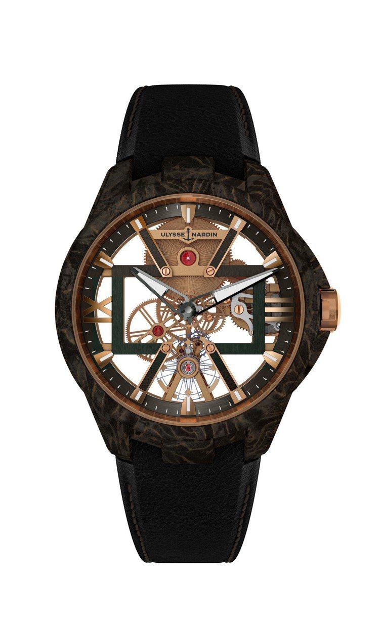 經理人系列腕表,因為改以全新機芯得以鏤空方式呈現,不僅如此,還提供了新材質的碳金...