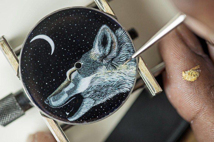 Arceau Awooooo琺瑯工藝腕表,將傳說與童話故事中白狼,以微繪珐瑯工藝...