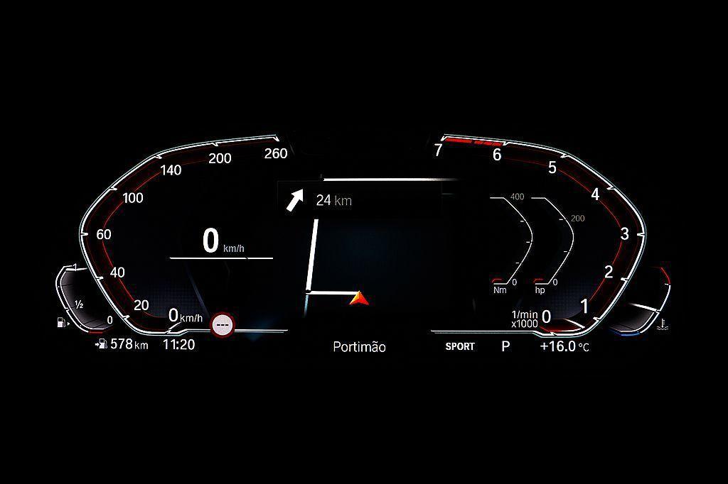12.3吋多重行車模式儀錶板中央區域能完整顯示原廠中文智能衛星導航圖資。 圖/B...
