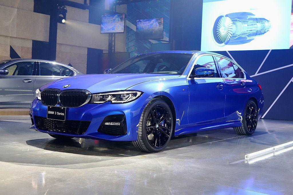 全新BMW 3系列還導入BMW Personal CoPilot智慧駕駛輔助科技...