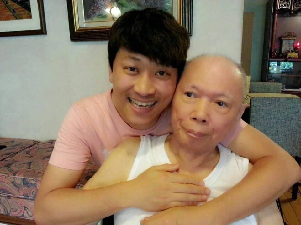 侯昌明與爸爸父子情深。圖/摘自臉書