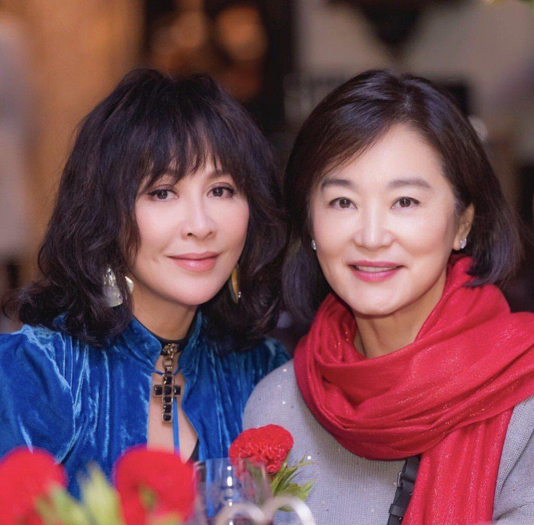 劉嘉玲(左)和林青霞(右)。圖/摘自IG