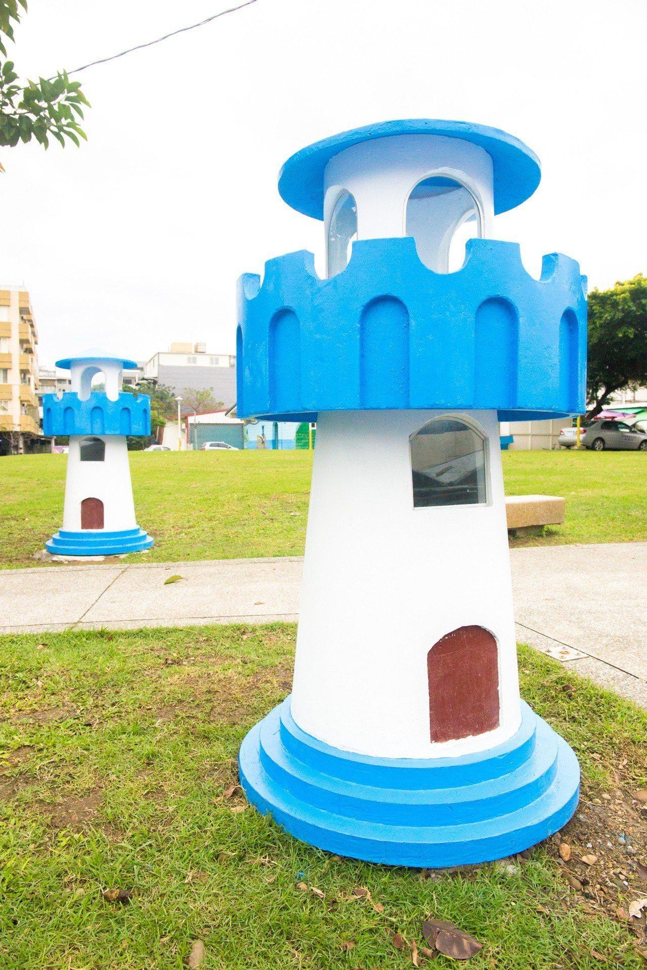 花蓮市民運社區白燈塔公園,本月新建5座用藍白色系、燈塔造型設計的景觀燈,兼顧美觀...