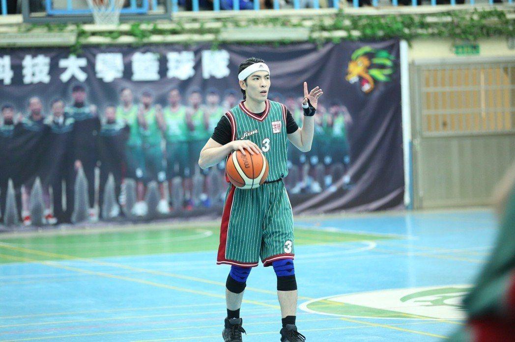 蕭敬騰投入決勝球率喜鵲隊擊敗萬能科大校隊。