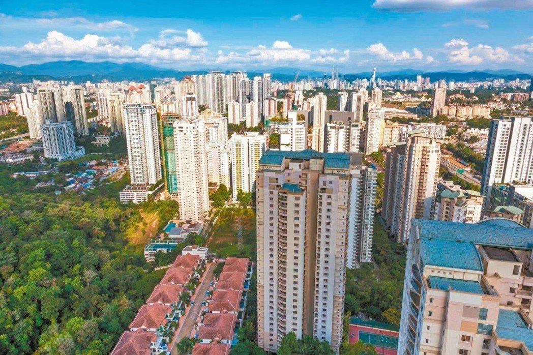 看好馬來西亞旅遊與經濟潛力,不少國人前往投資房地產,並改為短期出租。 圖/信義房...