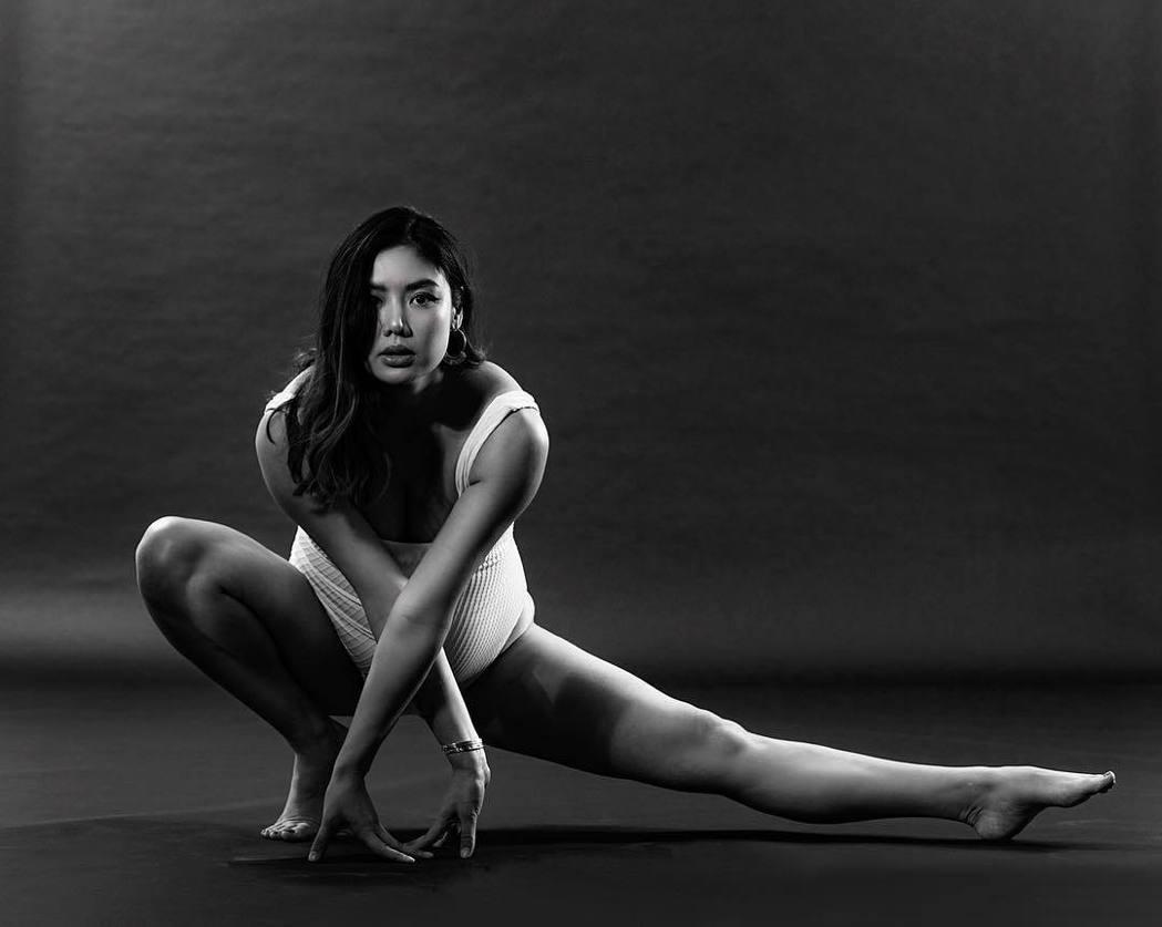 樂基兒懷孕期間仍勤做瑜伽。 圖/擷自樂基兒IG