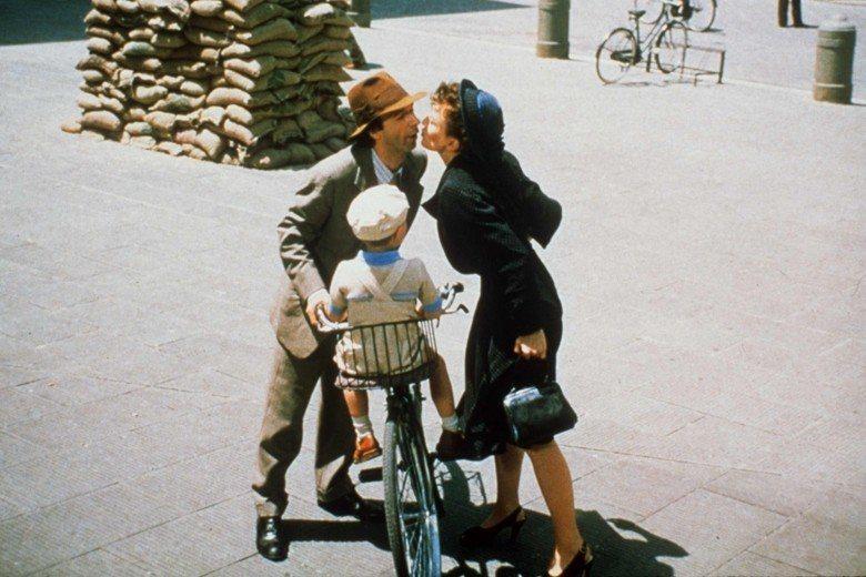 義大利電影《美麗人生》劇照。 圖/美聯社