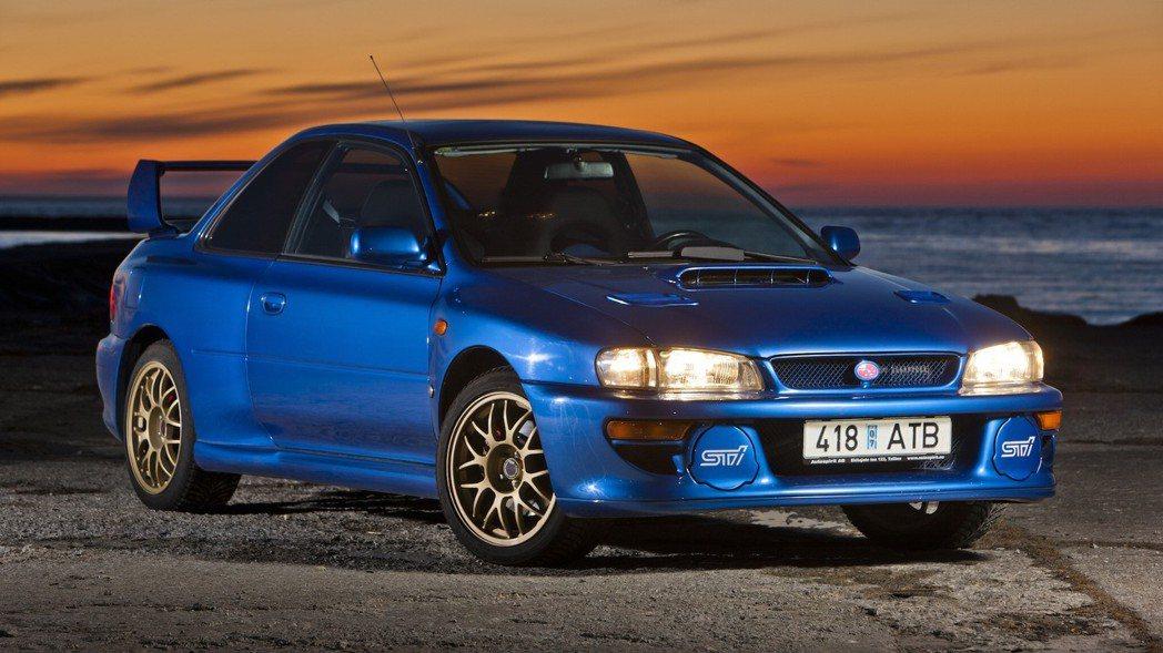 Subaru Impreza 22B STI。 摘自Motor1