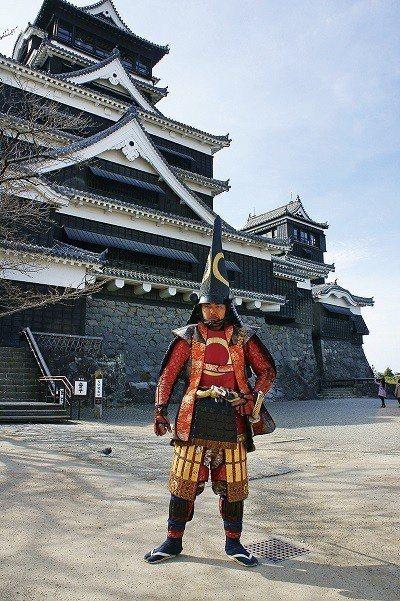 ©Kumamoto Prefecture 能見到穿著戰國裝扮的武將,還有以名將加...