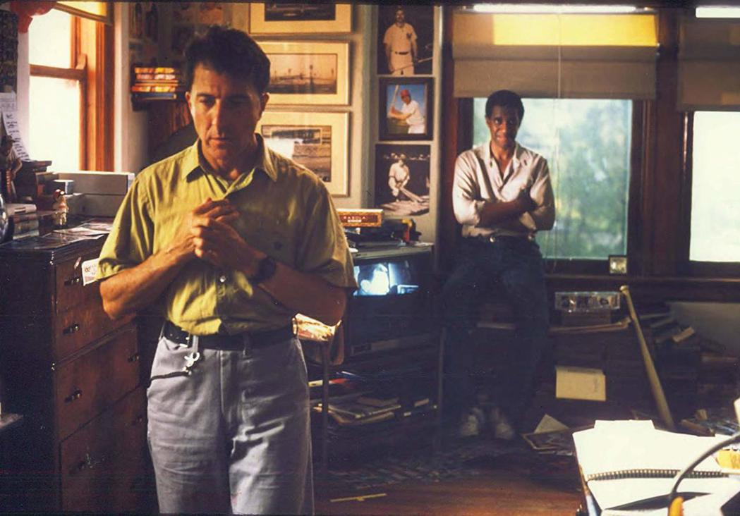 達斯汀霍夫曼(左)以「雨人」第2度獲得奧斯卡影帝殊榮。圖/摘自imdb