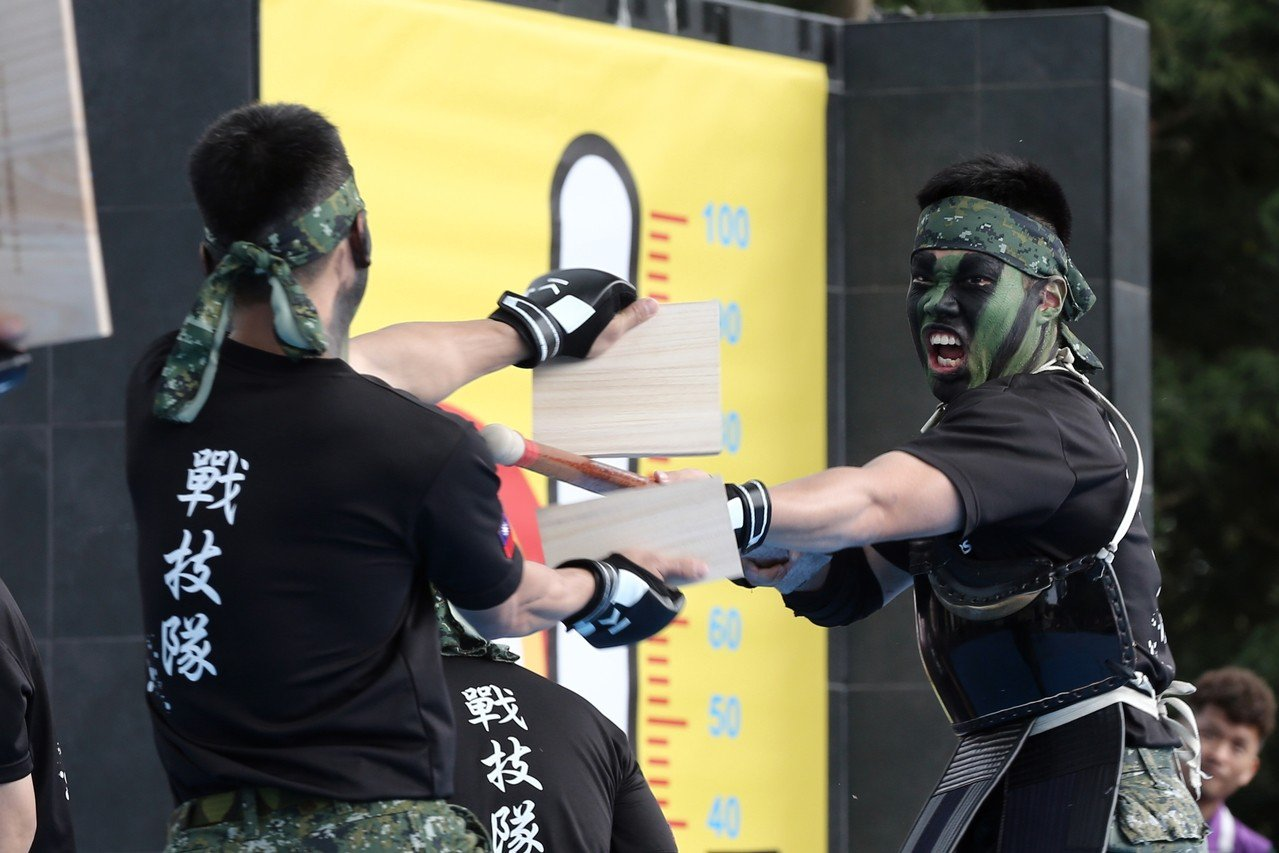 國防部上午表示,國軍將於台北市大安森林公園及高雄市勞工公園,南北兩地支援天使心家...