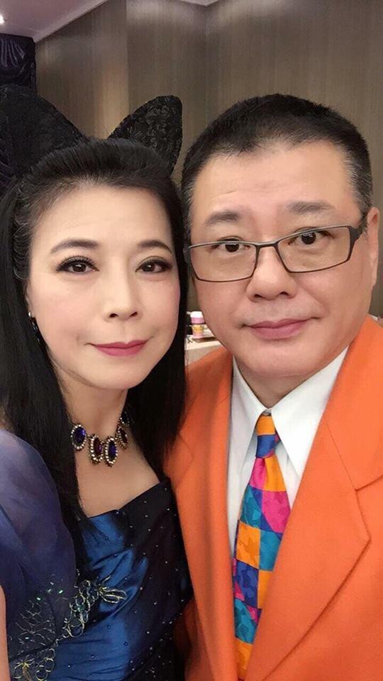 阿娥(左)很思念過世的老公安迪。圖/摘自臉書