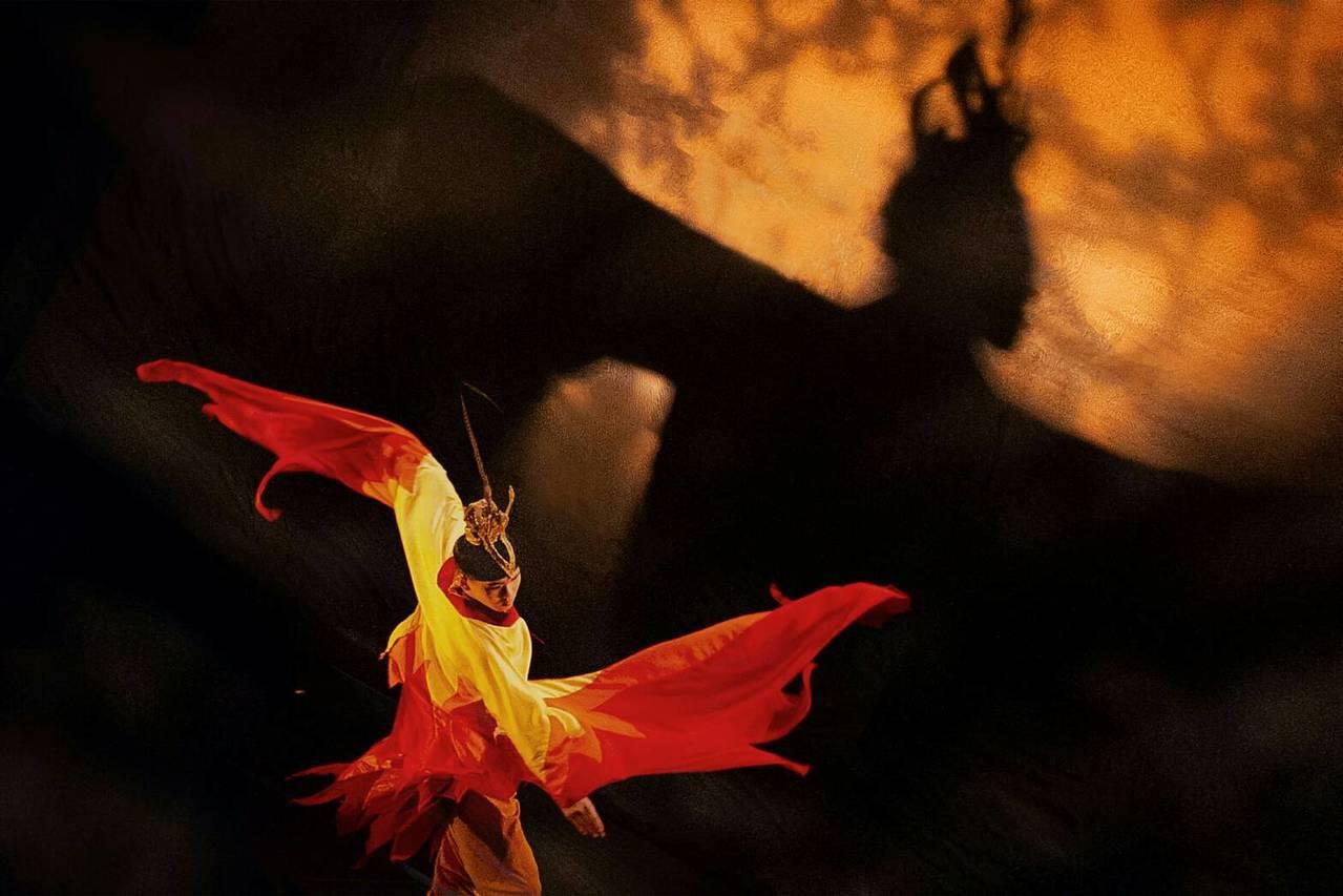 文華高中舞蹈班以《鳳靈化雩赤羽飛》舞曲榮獲全國學生舞蹈比賽古典舞特優第一名。圖/...