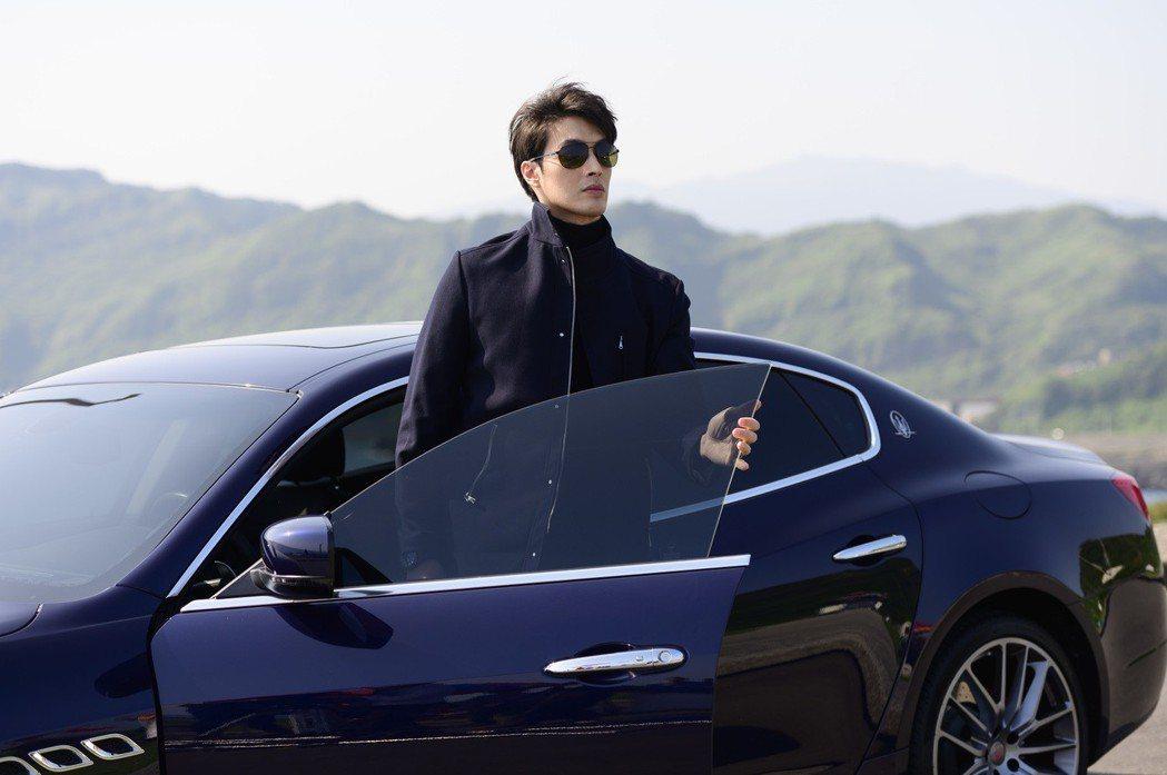 錦榮客串「女力報到」,在劇中飾演大牌經紀人。圖/TVBS提供