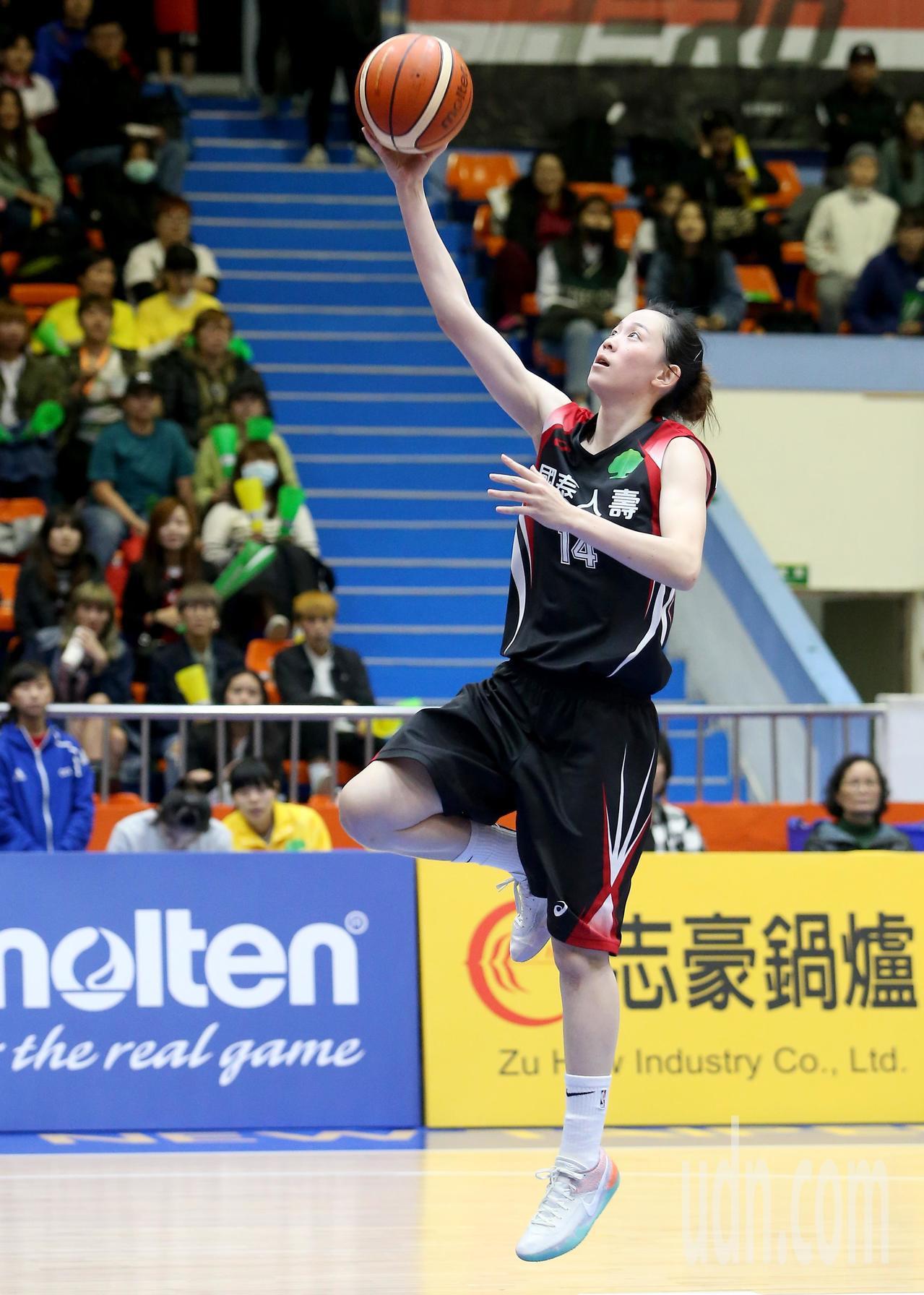 國泰黃鈴娟得到全場最高的22分。記者余承翰/攝影