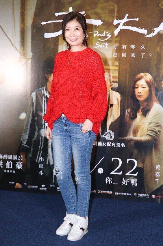 黃嘉千在「老大人」親情戲演出動人,但拍攝時與灌唱宣傳曲仍然出糗。記者王騰毅/攝影