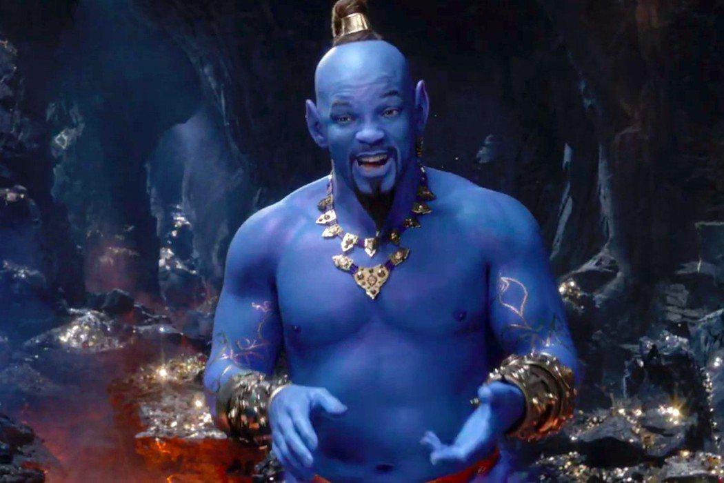 威爾史密斯在「阿拉丁」真人版中扮演的神燈精靈仍有全身藍色的皮膚。圖/摘自imdb