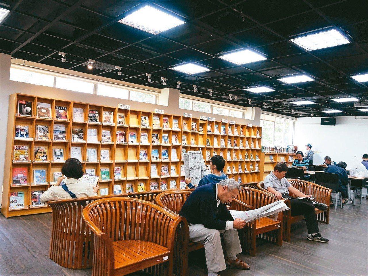 屏東縣有多達36個鄉鎮圖書館,還有縣立圖書館,圖書館數量雖多,但基層圖書館的買書...