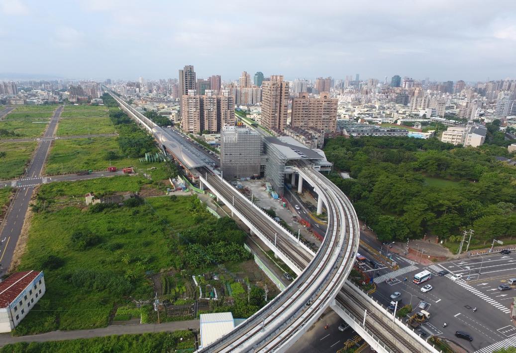 台中捷運綠線明年底完工通車,台中捷運藍線綜合規劃作業近日決標,預計2年內完成。圖...
