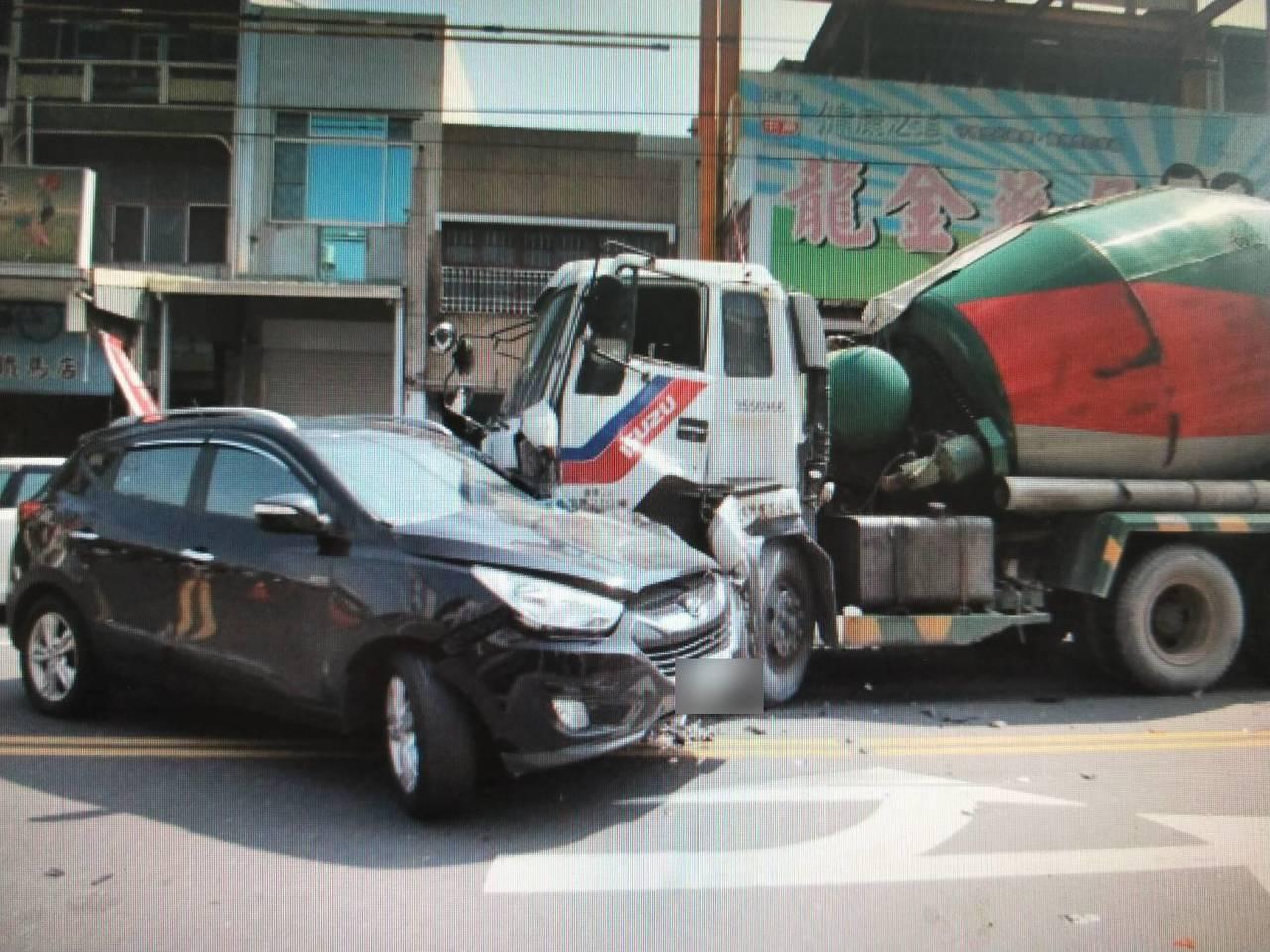 一般老百姓對於車禍的處理,常常不知所措。記者黃宣翰/翻攝