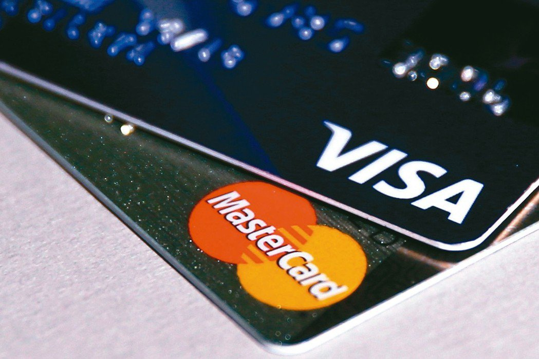 選擇現金回饋信用卡,除了回饋比率,也要留意使用限制,與通路加碼條件。 路透