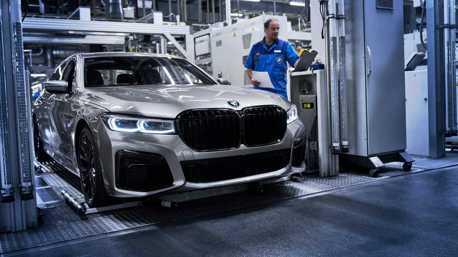 小改款BMW 7 Series正式投產 把握還有V12引擎的大鼻孔吧!