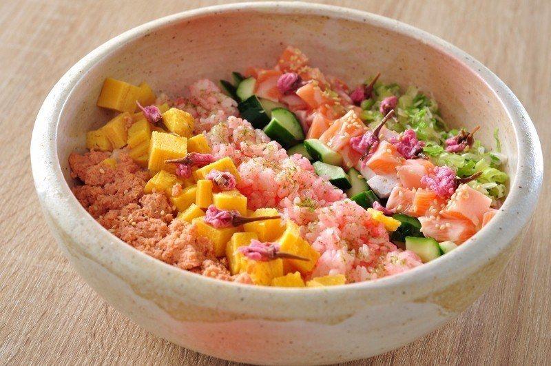 櫻浪散壽司。