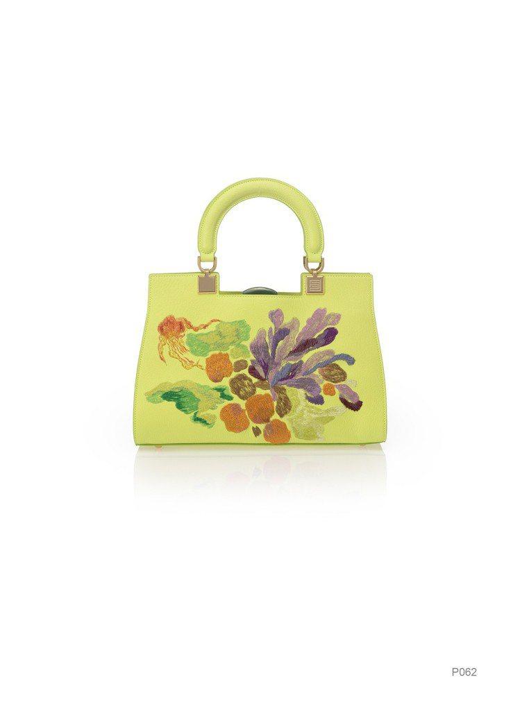 黃色花卉刺繡提包(大),特價14,960元。圖/夏姿提供