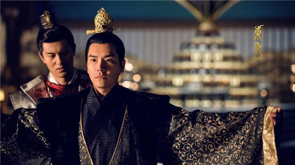王傳一(前)飾演的反派深陷「老二命運」。圖/摘自微博