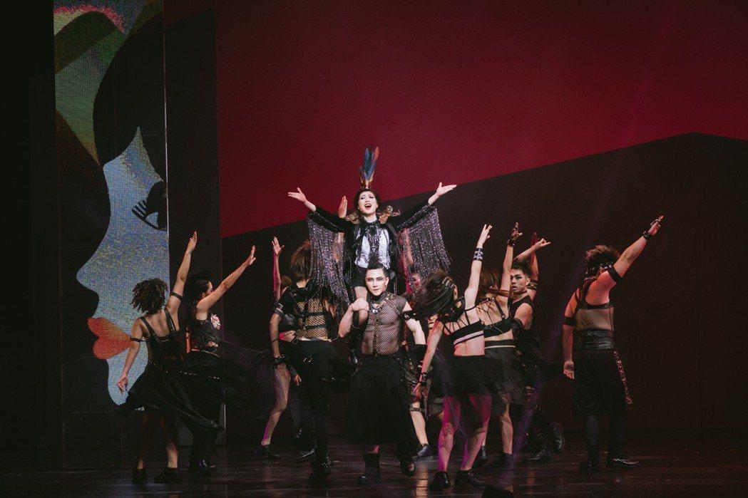 舞台劇「吻我吧娜娜」。圖/果陀劇場提供