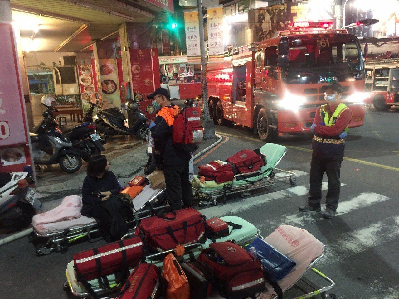 彰化市今天晚間發生火警。記者劉明岩/攝影