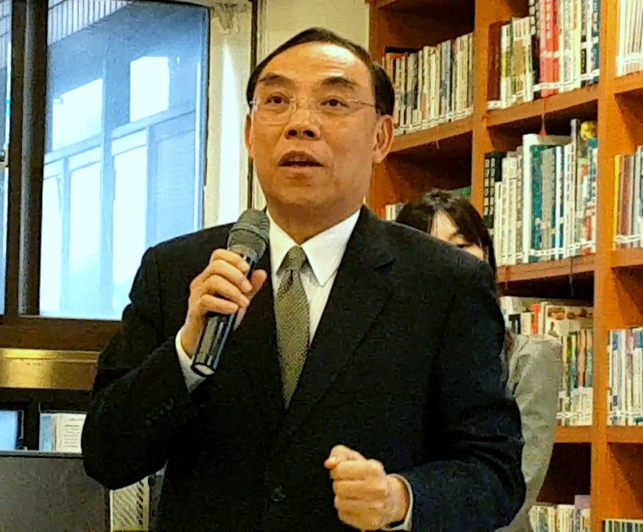 法務部長蔡清祥表示,調查局與林務局合作建置檜木DNA資料庫,追查被盜伐林木來源。...